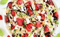 Strawberries-Mozzarella-Pasta-Salad-768x512
