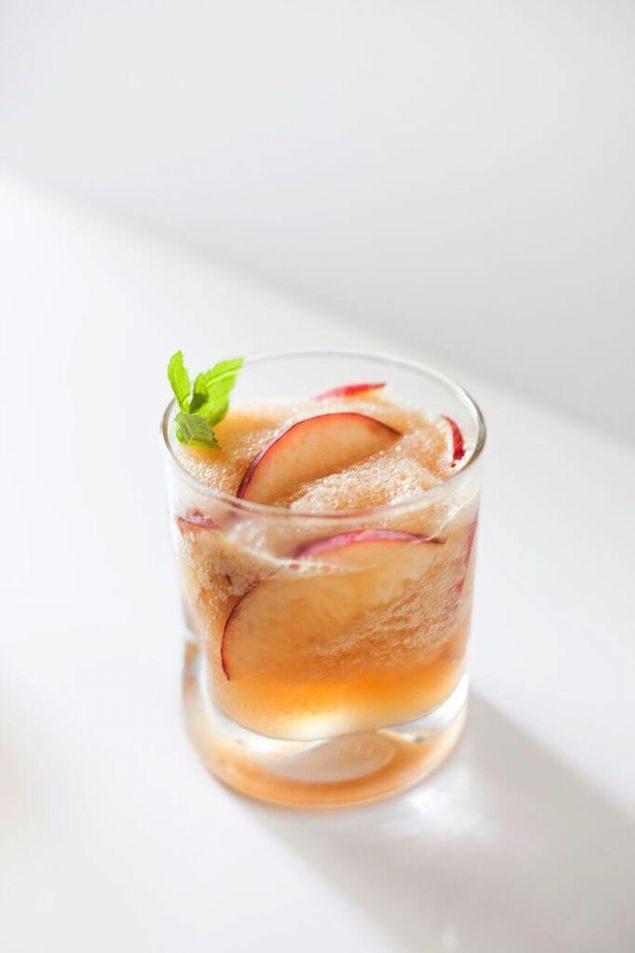 In Season Now: 10 Ways to Eat Peaches