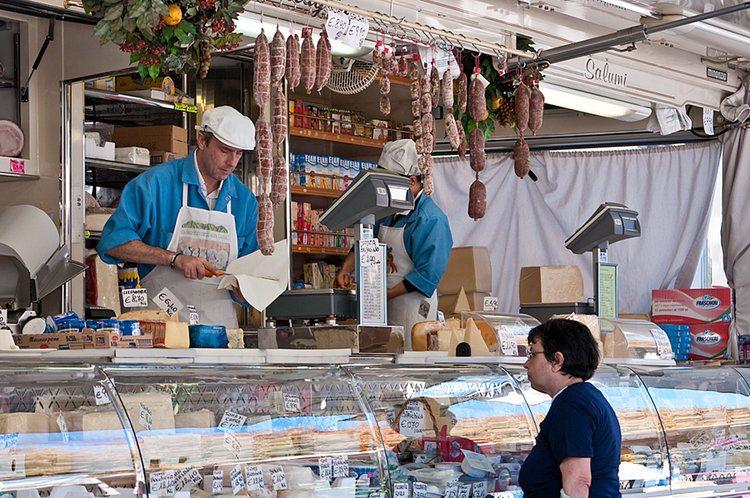 How to Navigate an Italian Market
