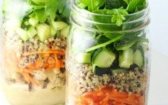 Chicken-and-Quinoa-Mason-Jar-Salad-4