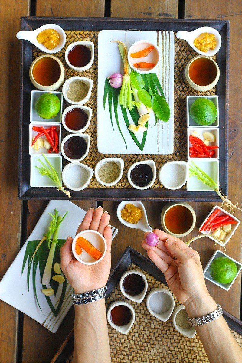 Gluten-Free-Spring-Rolls-with-Tamarind-Dip-1-2