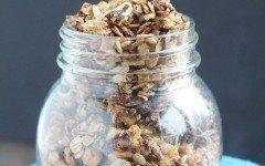 Peanut-butter-chip-skillet-granola-4