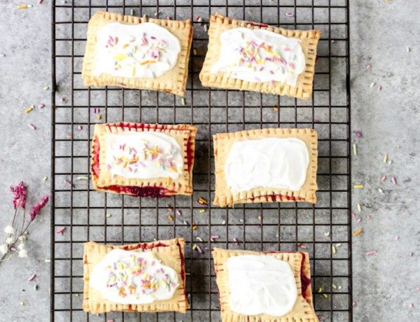 Strawberry-Pop-Tarts-1-683x1024