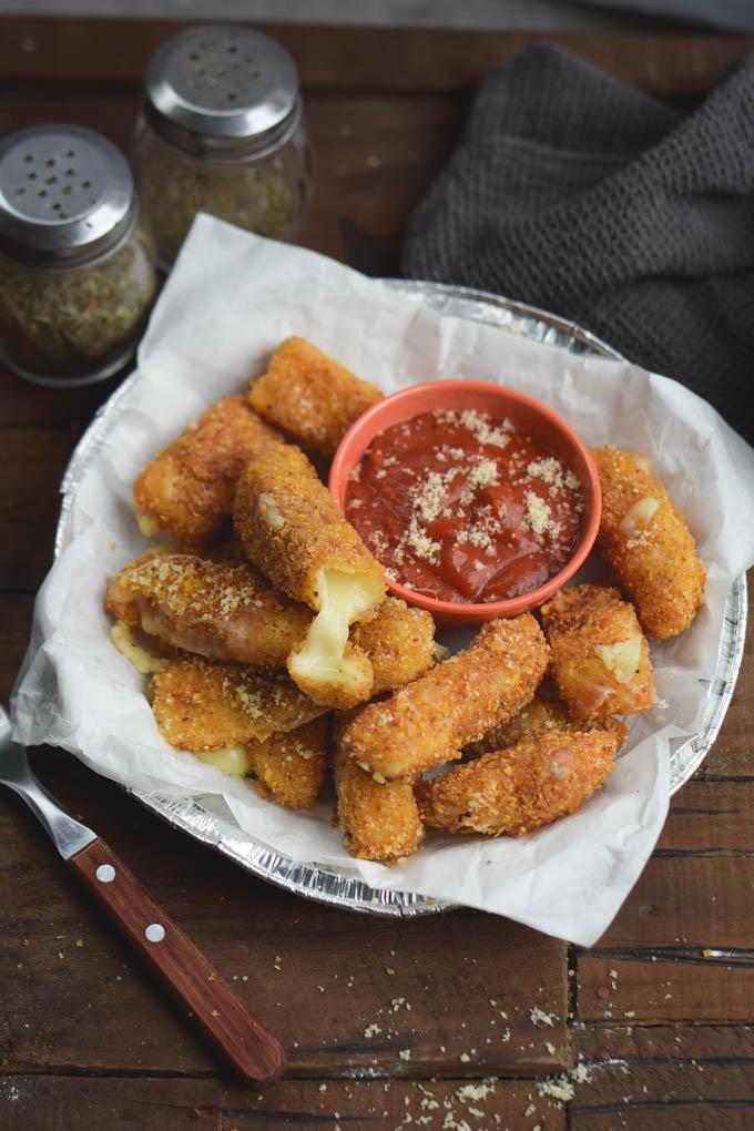 The-Best-Fried-Mozzarella-Cheese-Sticks-4
