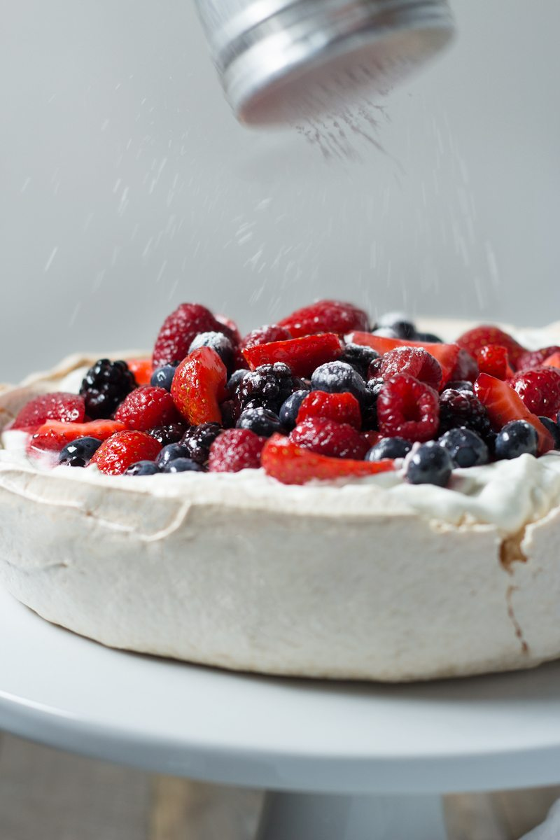 pavlova-with-mixed-berries,-retouch-5