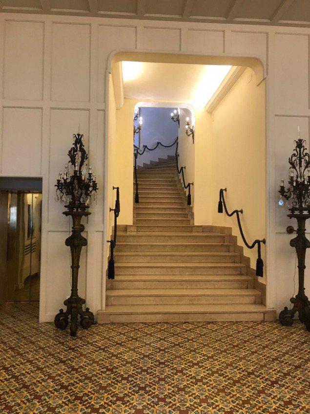Regina Isabella stairway. jpg