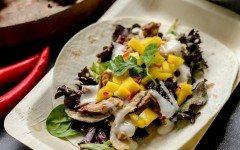 Spicy-Chicken-and-Mango-Salsa-Soft-Tacos