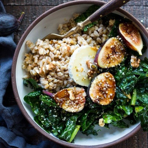Farro-Bowl-with-Figs_Walnuts-and-Kale-113