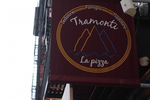 tramonti pizza sign