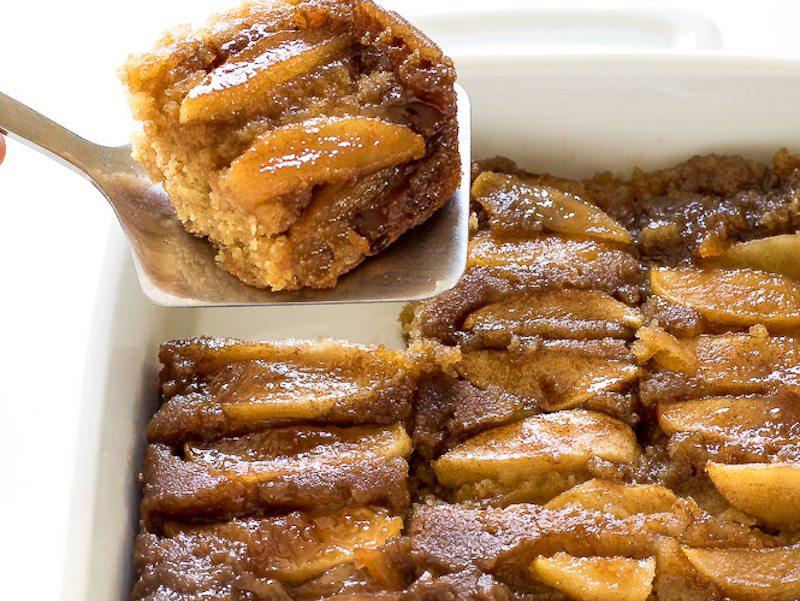 Spiced Caramel Apple Upside Down Cake – Honest Cooking
