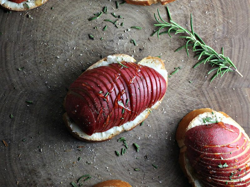 Florette Goat Brie Crostini with Rosemary, Pear and Honey