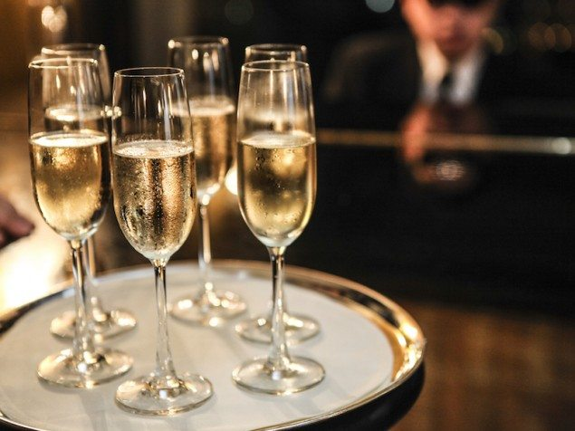 The 15 Best Sparkling Wines for the End of the Decade