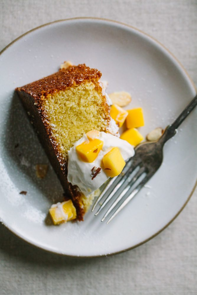 Almond Cake With Mango And Whipped Mascarpone Cream