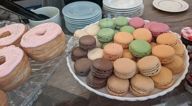 Cafe M French Macarons
